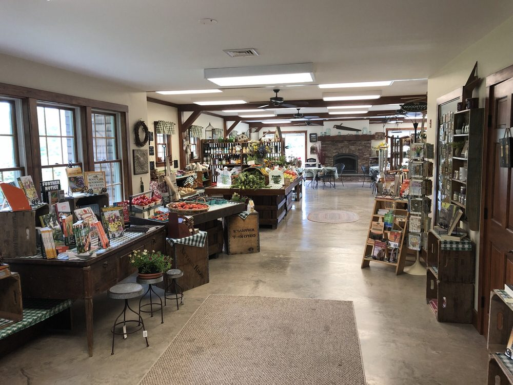 Saunderskill Farm Market: 5100 US Highway 209, Accord, NY