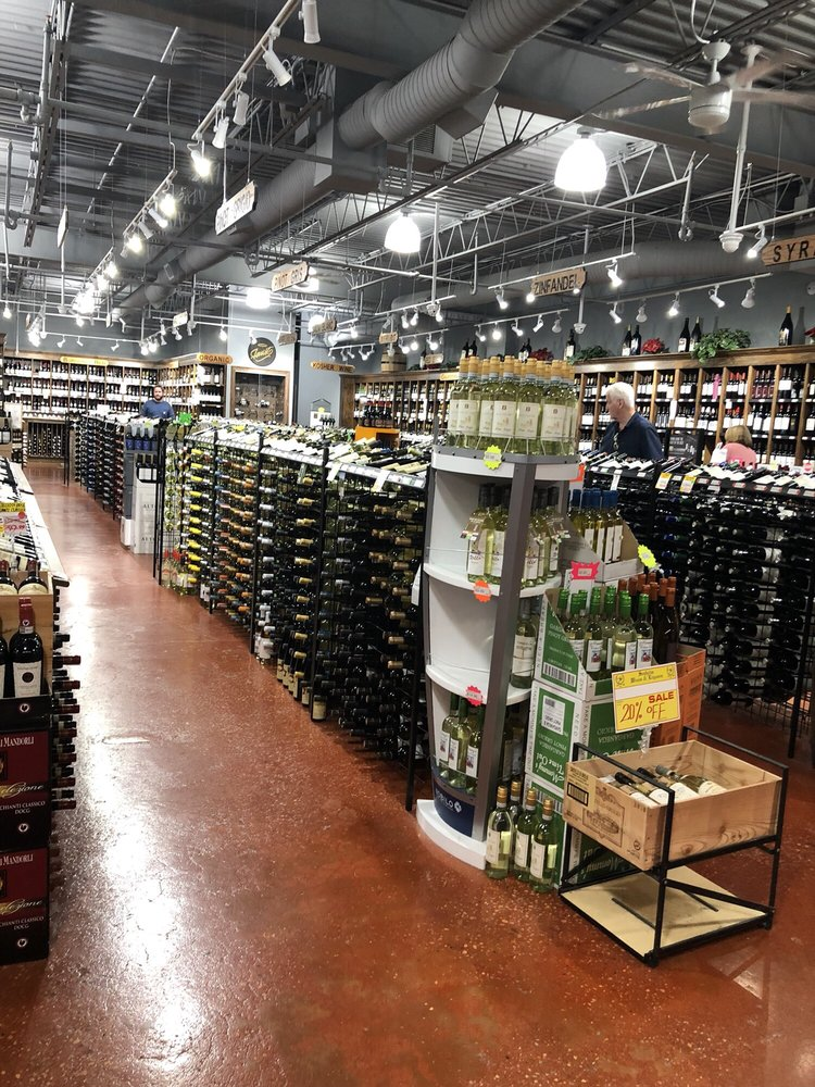 Seaholm Wines & Liquors: 134 Wall St, Huntington, NY