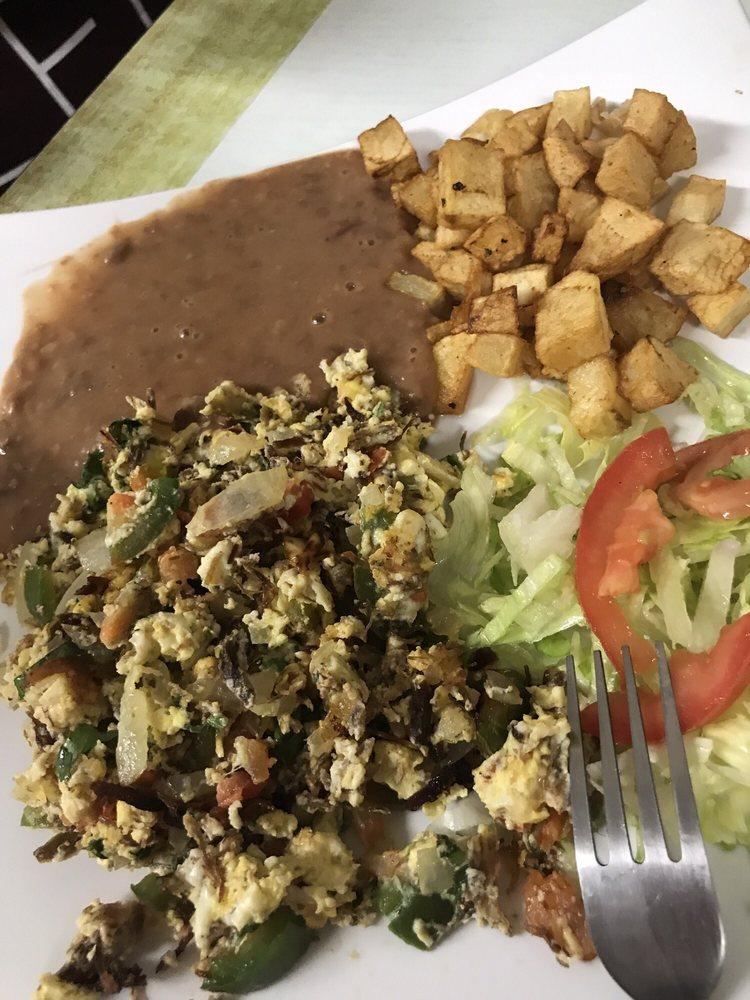 Cafe Mi Familia: 814 W Expy 83, Mission, TX