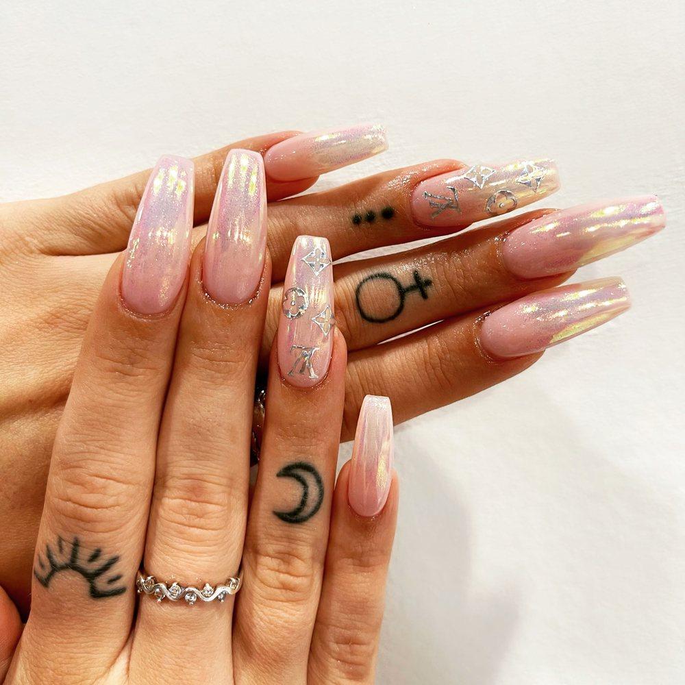 Elysian Nails: 4200 Hudson Dr, Stow, OH