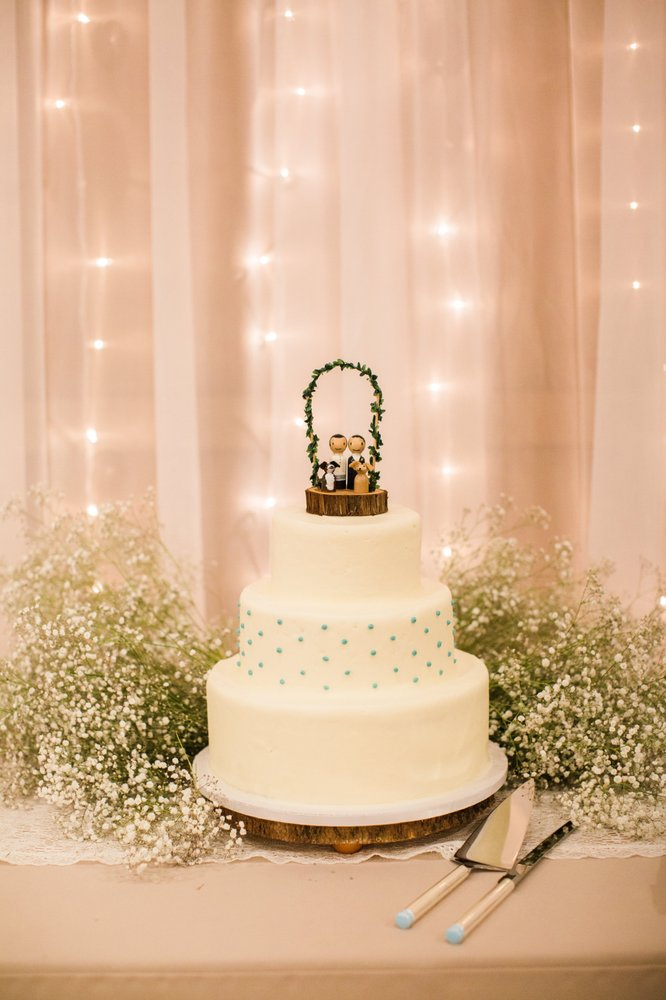 Great job on our simple wedding cake! We provided cake topper, wood ...