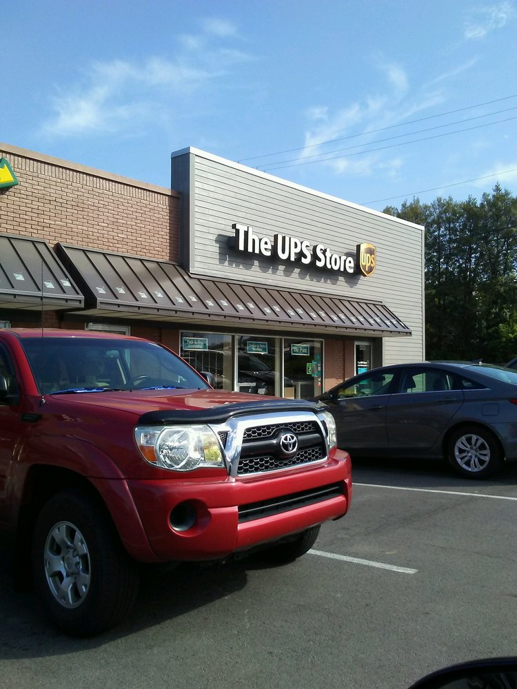 The UPS Store: 4949 Old Brownsboro Rd, Louisville, KY
