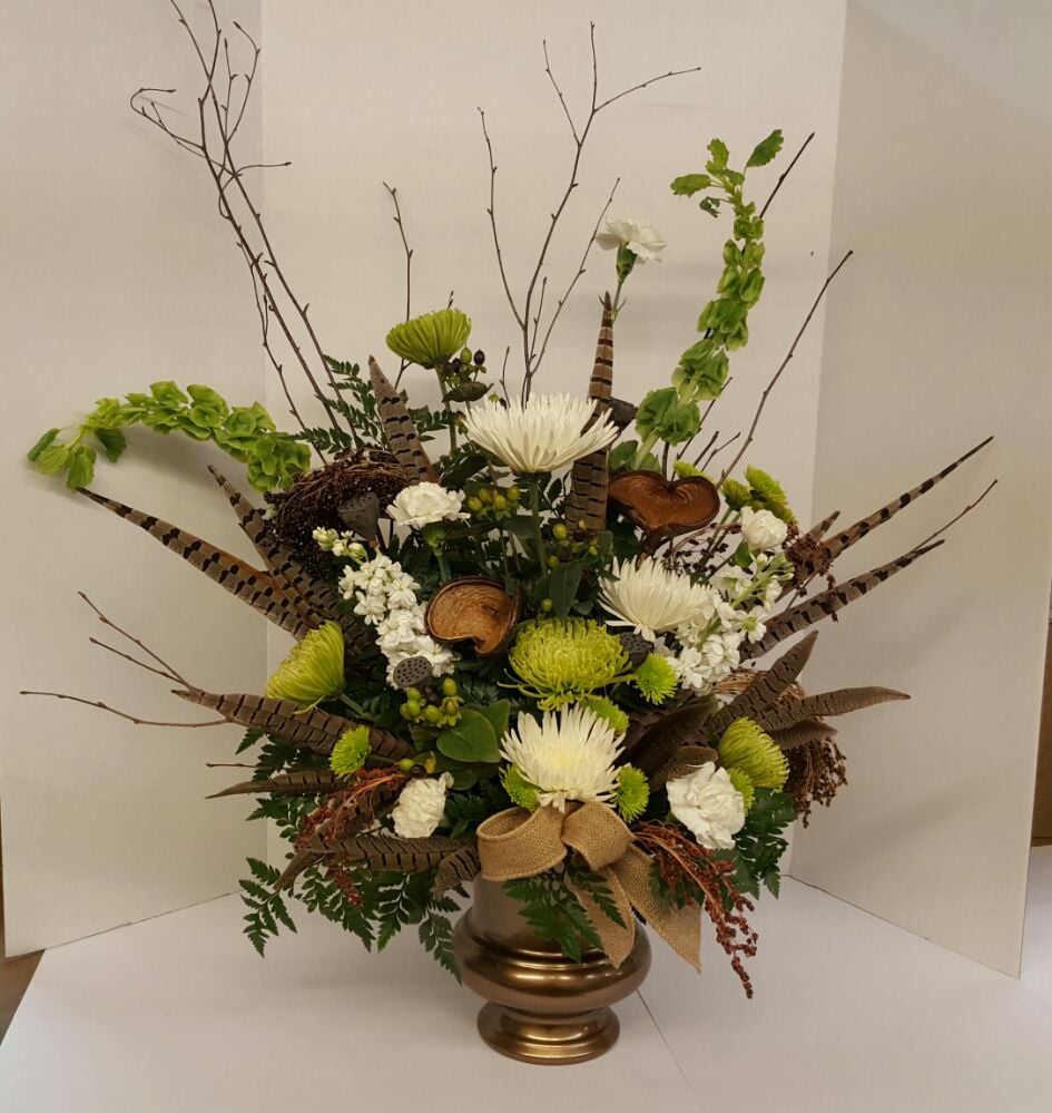 Bluebird Flowers & Gifts: 220 Box Butte Ave, Alliance, NE