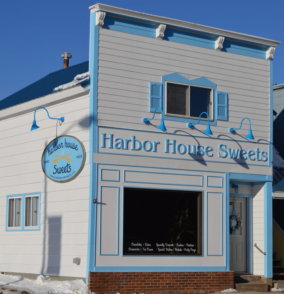Harbor House Sweets: 127 W Bayfield St, Washburn, WI
