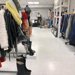 The closet fashion valley 94