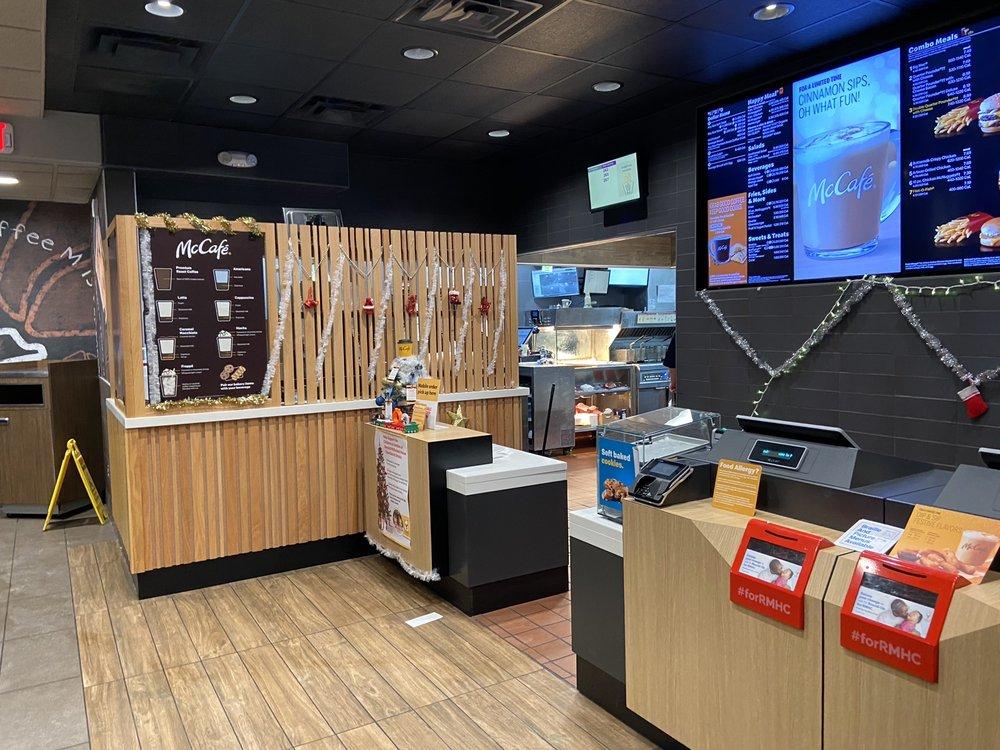 McDonald's: 1304 Hwy 136 W, Rockport, MO
