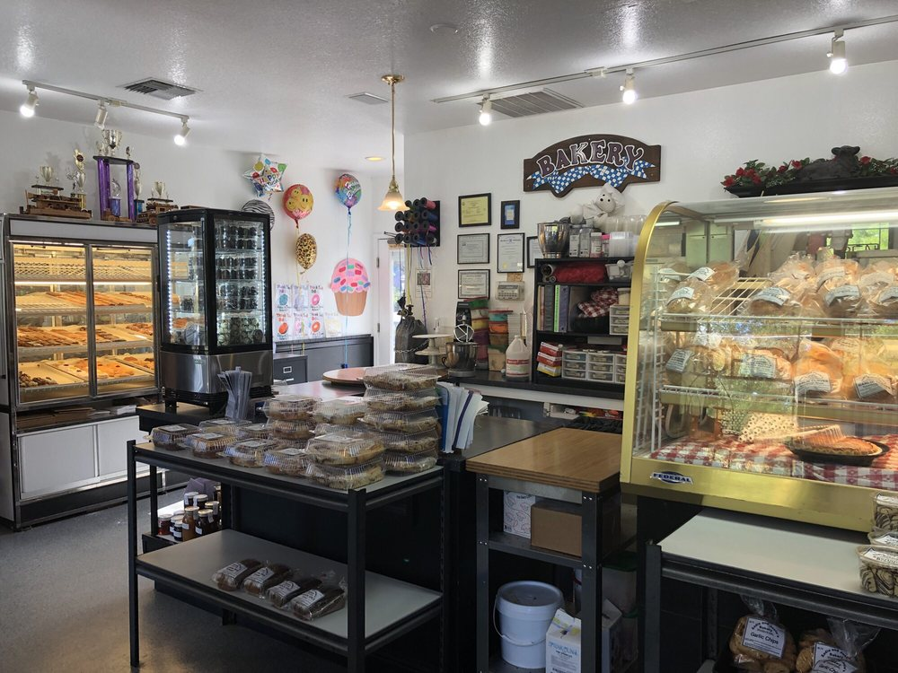 Sadie & Josie's Bakery: 582 NW Pacific Hwy, La Center, WA