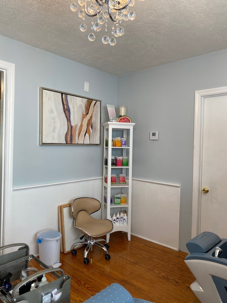 Angelas paintbox Nail studio and salon: 3611 Whipple Ave NW, Canton, OH