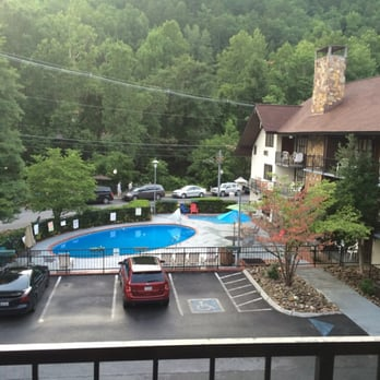 River edge motor lodge 37 photos 16 reviews hotels for Motor lodge gatlinburg tn