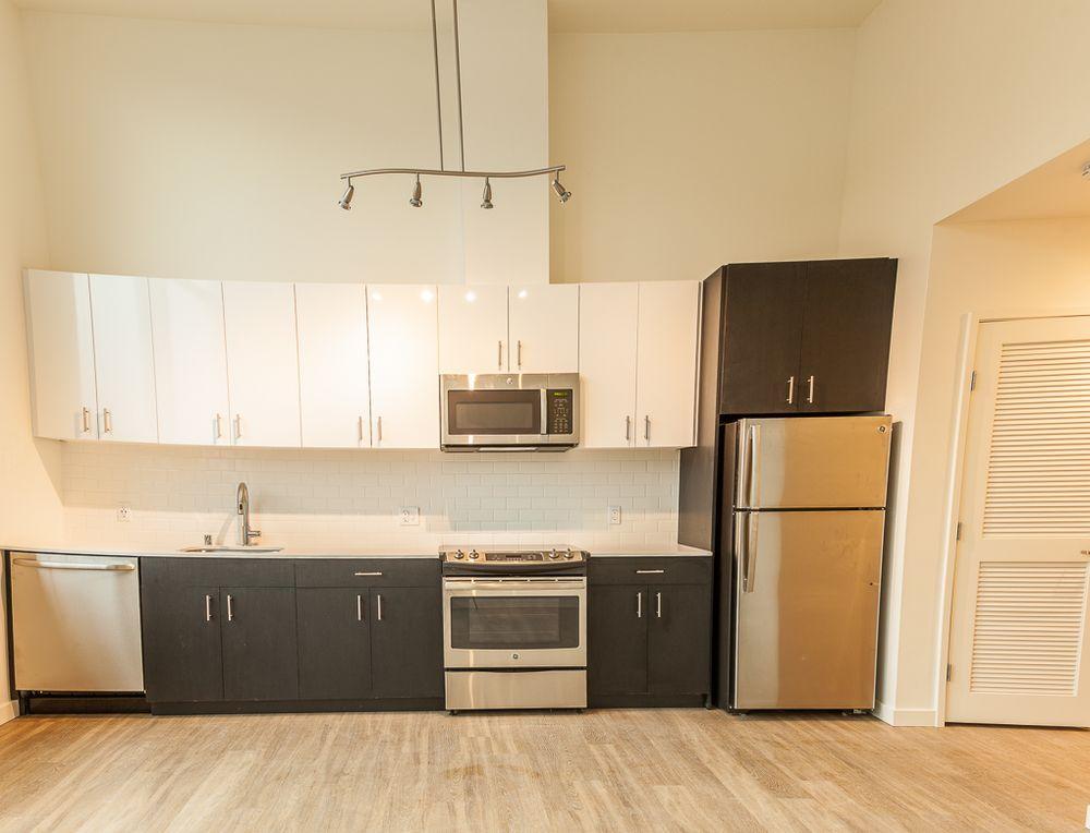 Henry Apartments: 24 Etruria St, Seattle, WA