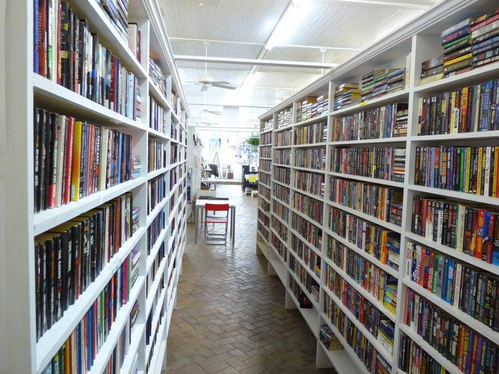 Blue Train Books Used Bookstore: 200 E Main St, Hogansville, GA