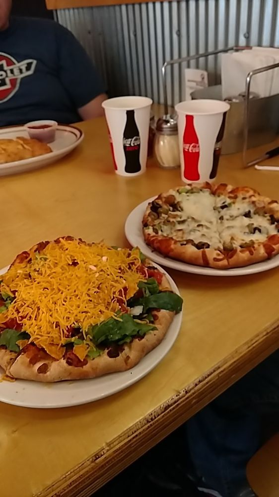 Jimmy's Pizza: 1115 Hwy 7 W, Hutchinson, MN