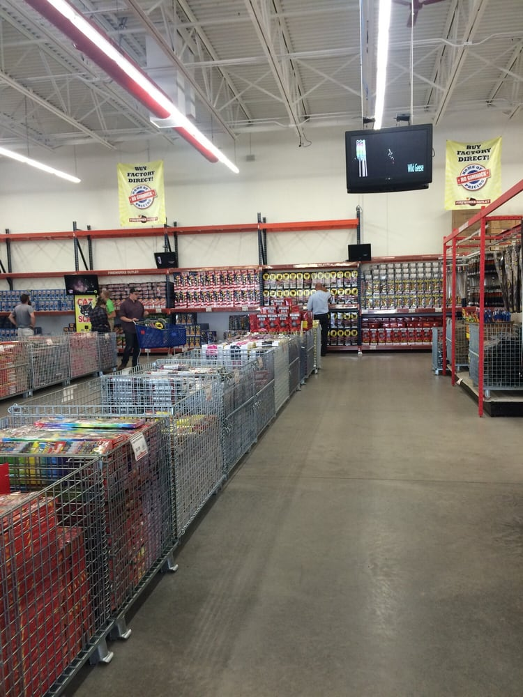 Fireworks Direct: 565 County Road T, Hammond, WI