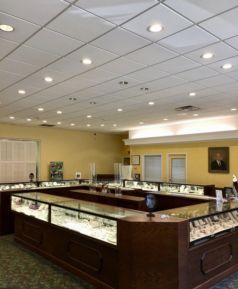 Bob's Jewel Shop: 110 W Church St, Laurinburg, NC