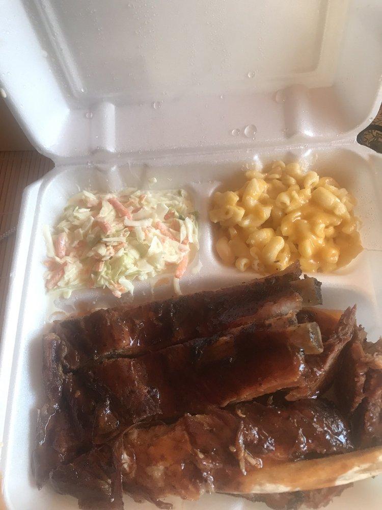 Momma Lo's BBQ: Craryville, NY