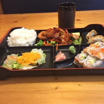 Osaka sushi oshawa japanese 20 photos 21 reviews for Asian cuisine oshawa