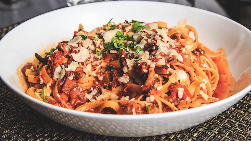 Tryst Gastro Lounge: 240 Beach Dr NE, St Petersburg, FL