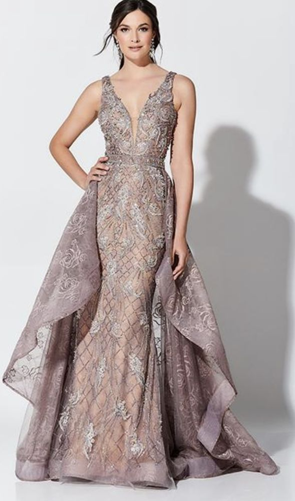 La Femme Couture Dress Shop: 25355 Lorain Rd, North Olmsted, OH
