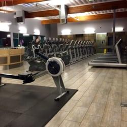 Crunch closed photos reviews gyms veterans