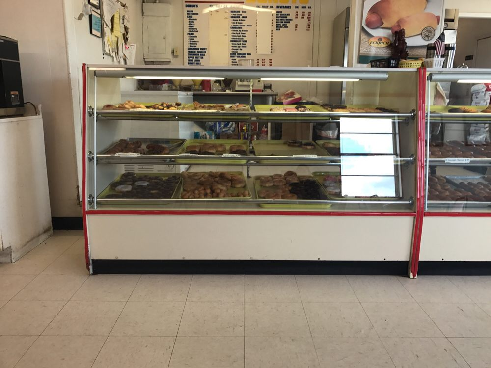 Old Fashioned Donuts: 909 W Main St, Edna, TX