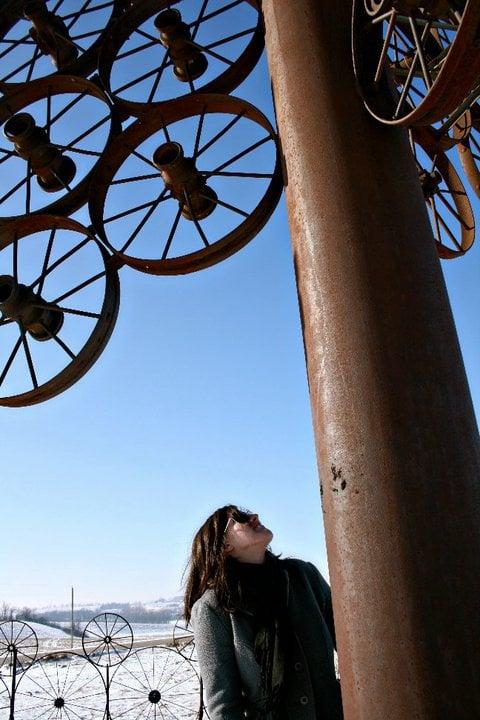 L J Maasdam wagon wheel sculpture: S 48th Ave E, Grinnell, IA