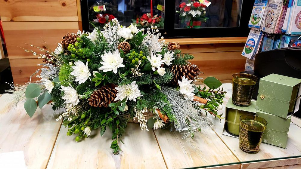 D Duncan Floristry & Boutique: 149 W Yoakum Ave, Chaffee, MO