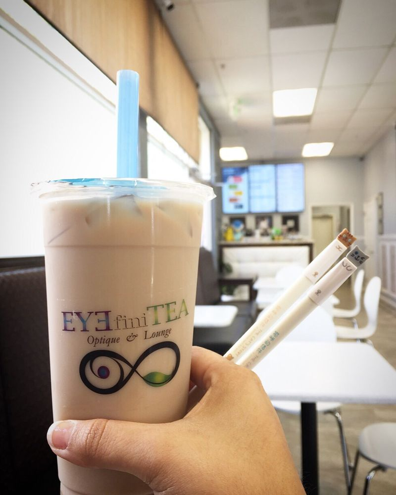 EYEfiniTEA Optique & Lounge