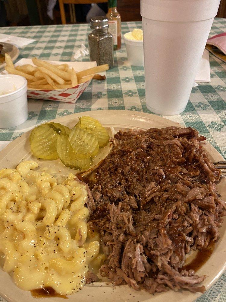 Triple R Barbecue: 504 N US Hwy 69, Whitewright, TX