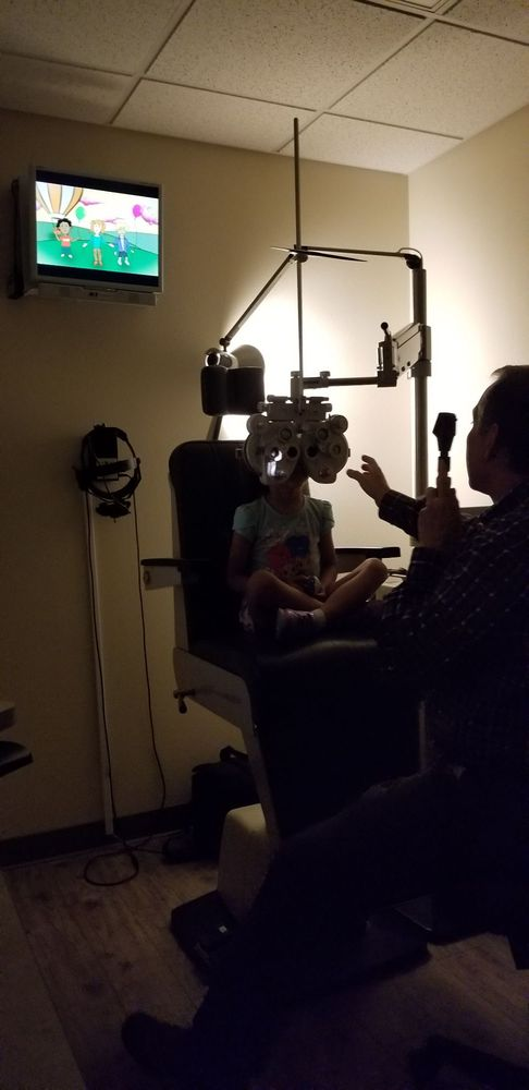 Family Optometry Center of Simi Valley | 1407 E Los Angeles Ave Ste 1S, Simi Valley, CA, 93065 | +1 (805) 520-0900