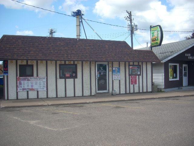 Sportsmen's Bar & Grill: 135 Diamond St, Ridgeland, WI
