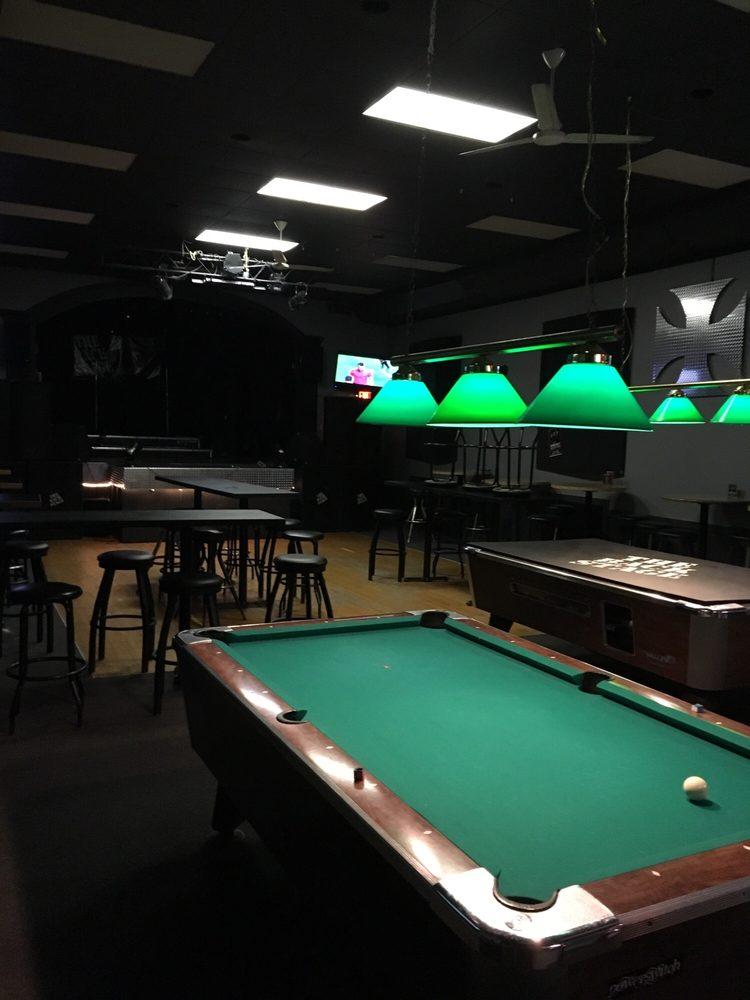 Player's Sports Club: 1530 Langlois Avenue, Windsor, ON
