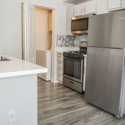harlow luxury apartment homes 10 reviews apartments 10620 w