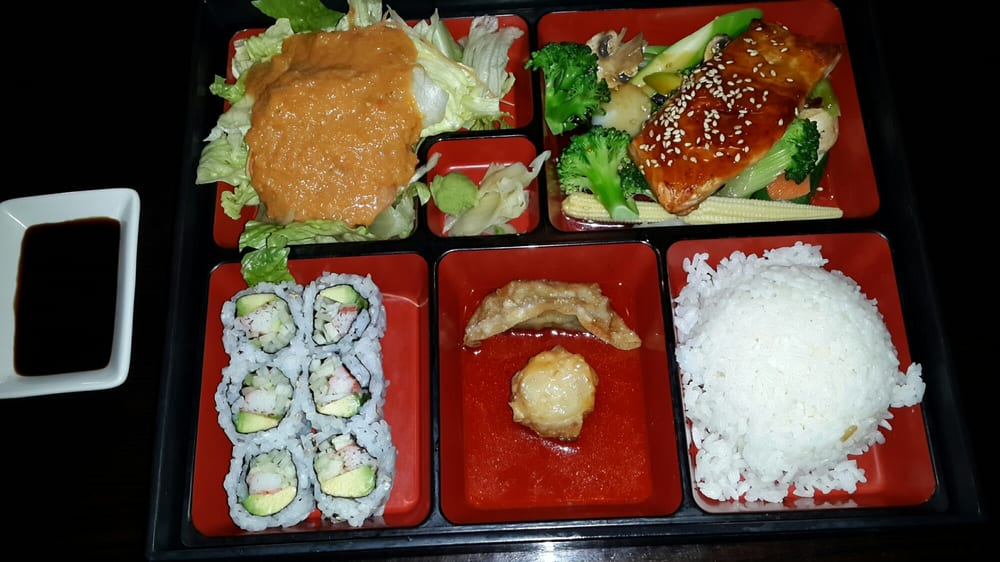 Sweet mango sushi bar and asian restaurant 28 photos for Asian fusion cuisine and sushi bar