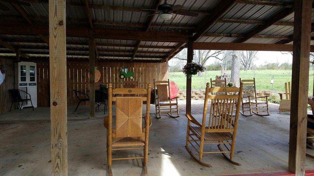 The Shed at Fitzgerald Fruit Farms: 3355 Imlac Rd, Woodbury, GA