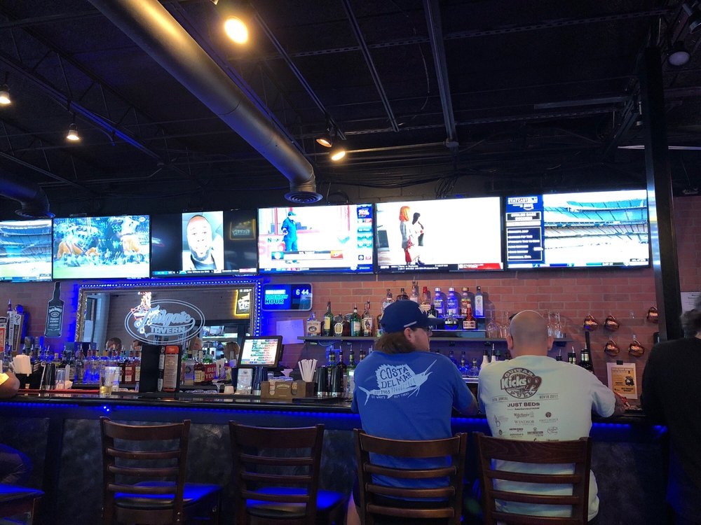 Tailgate Tavern: 231 The Aly SW, Aiken, SC