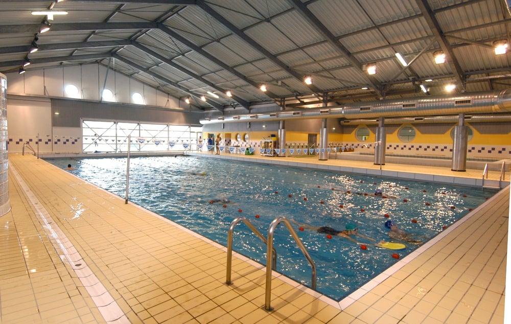 Piscine bellevue piscines 69 ter route de narbonne for Piscine toulouse
