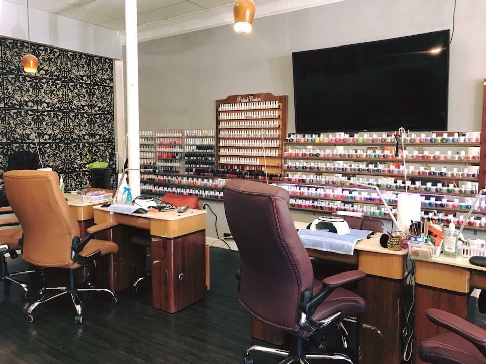 Five Diamond Nails: 1669 Blue Ridge Blvd, Troutville, VA