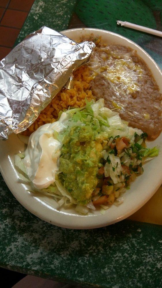 El Valle Mexican Restaurant: 1104 N A St, Wellington, KS