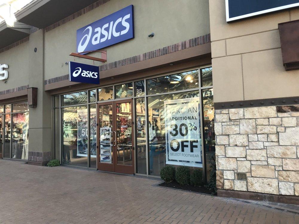 ASICS Outlet: 3700 Cabelas Blvd, Lehi, UT
