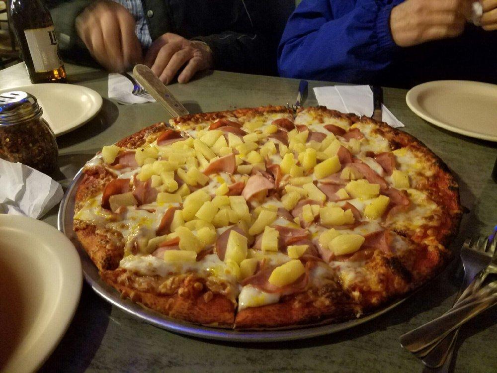 Little Big Men Pizza: 630 NE Main St, Lewistown, MT
