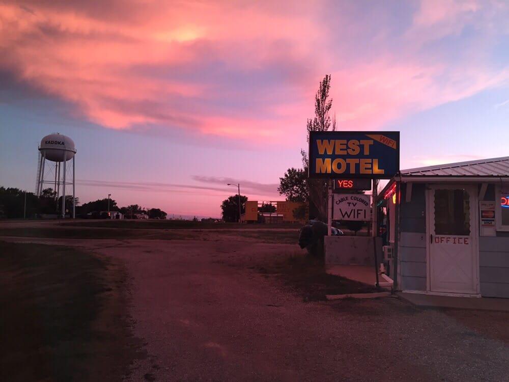 West Motel: 500 Sd Hwy, Kadoka, SD