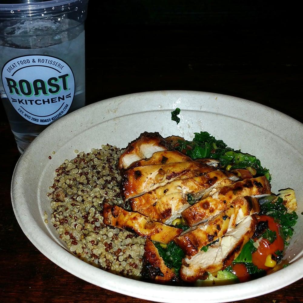 tonight's dinner was beyond perfect. spicy chicken, quinoa, kale