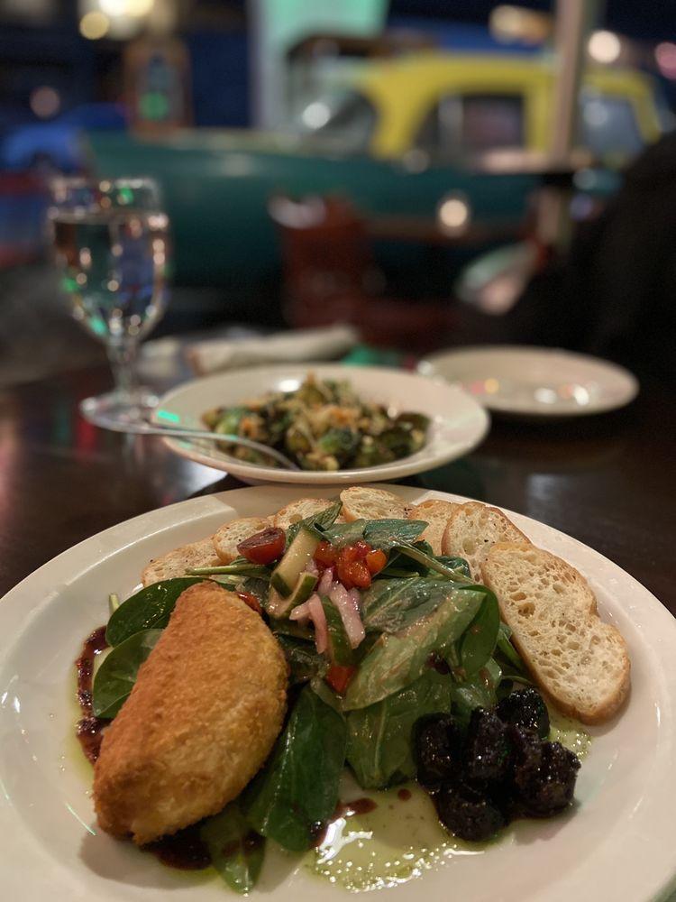 Star Diner: 115 N Main St, Marshall, NC