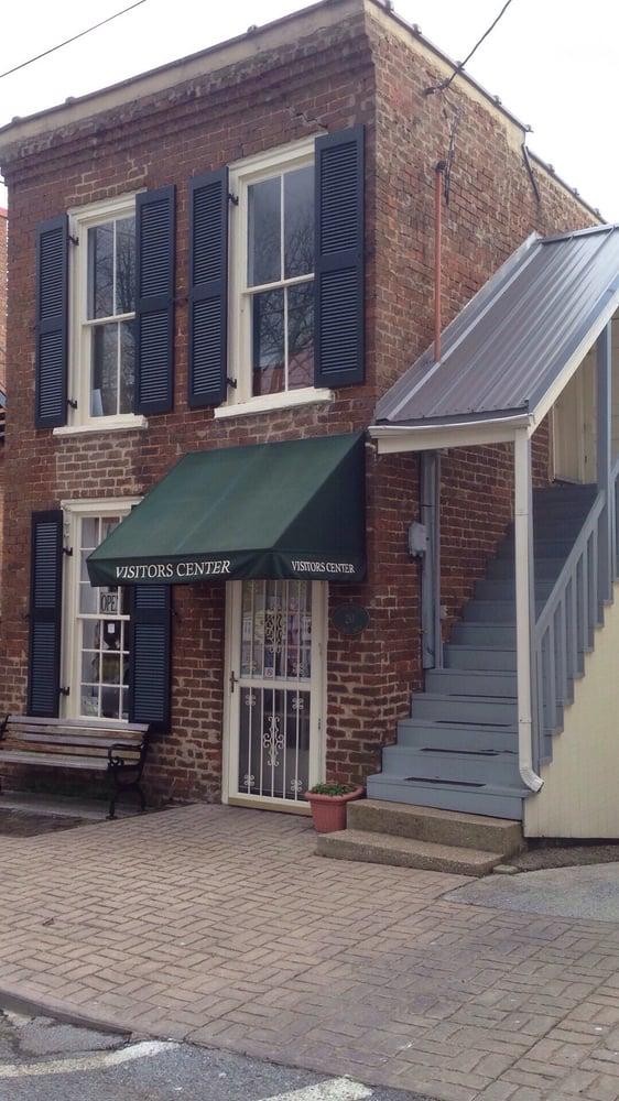 Dandridge Visitors Center: 137 East Main St, Dandridge, TN