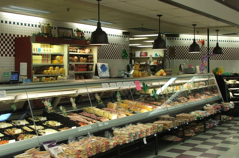 Rodhe's IGA Marketplace: 2105 Glen Dr, Millersburg, OH