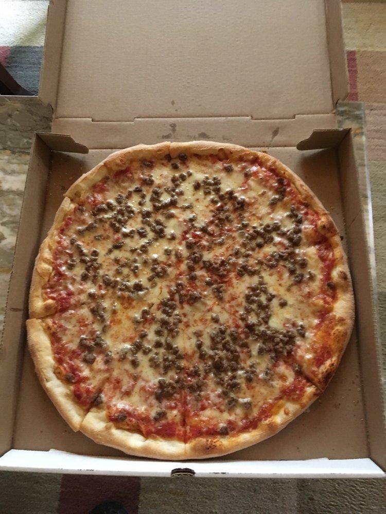 Brooklyn Pizza Restaurant: 109 Hartford Rd, Brooklyn, CT