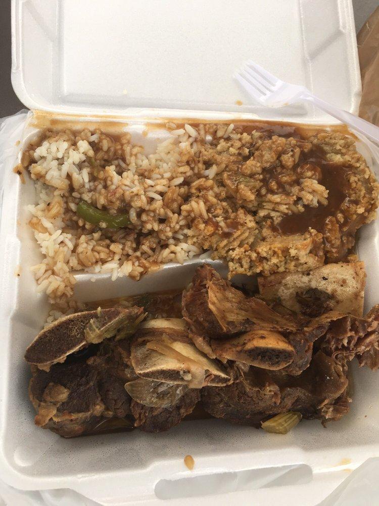 Motor-City Soul Food: 24790 Greenfield, Oak Park, MI