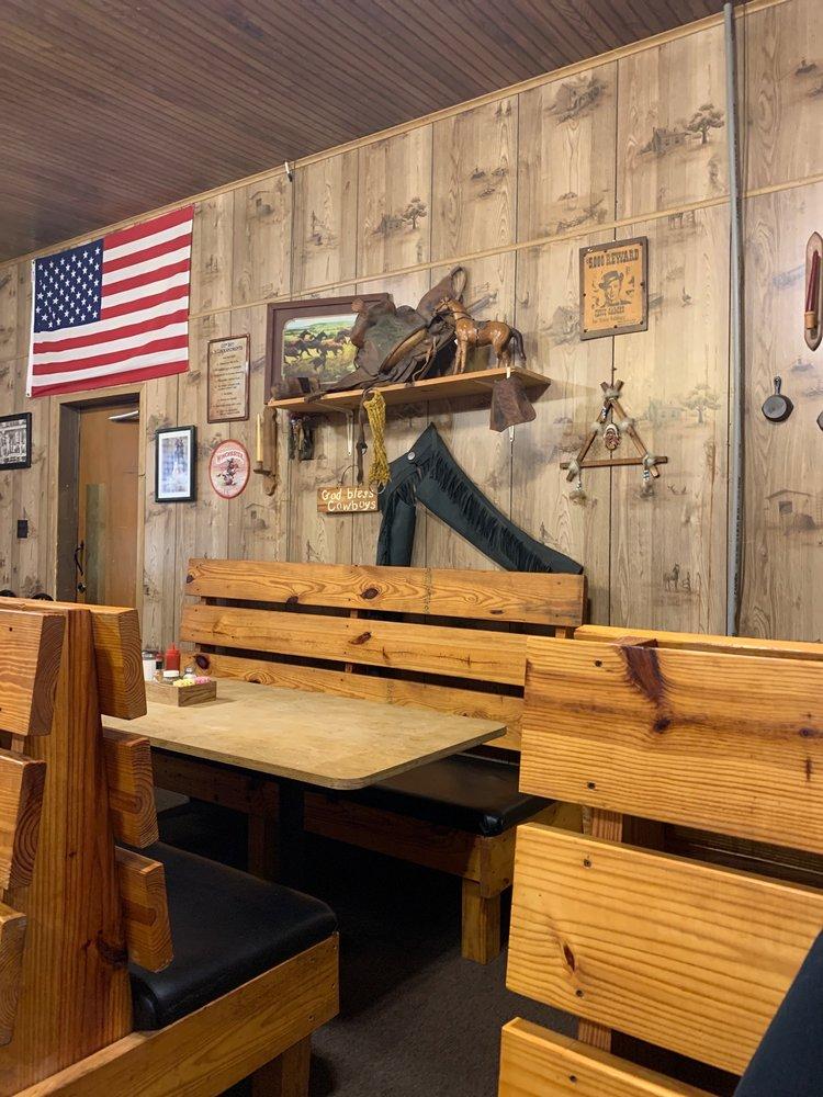 Stover's Country Kitchen: 511 E Main St, Livingston, TN