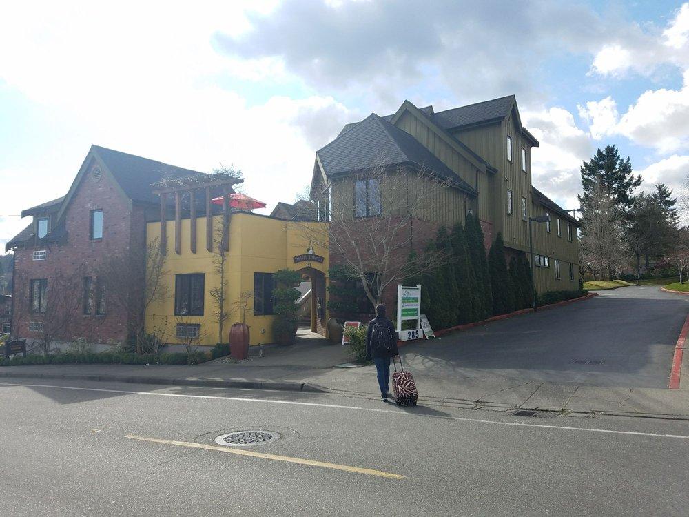 The Eagle Harbor Inn