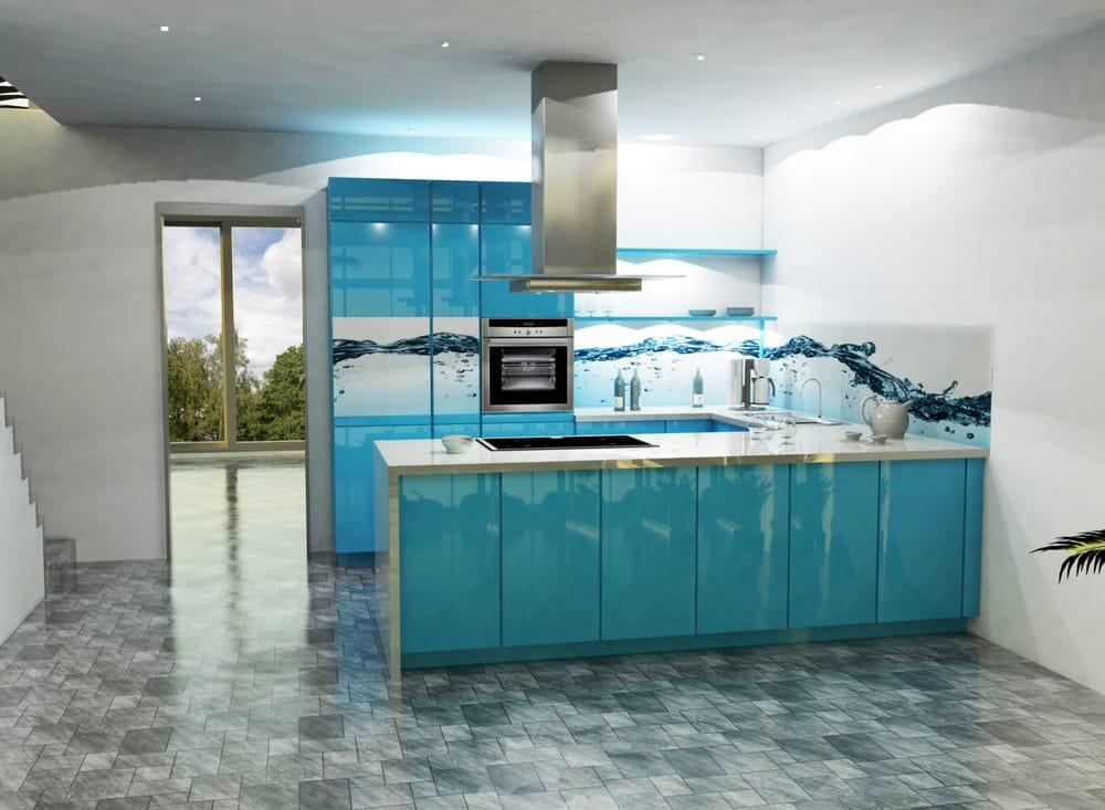 Kuche Mit Glasruckwand In Blau Yelp
